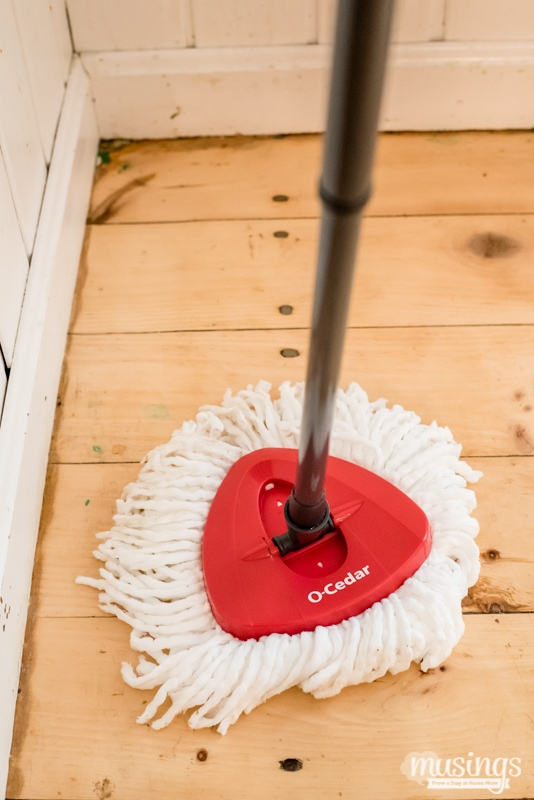 11 Simple Tips for Cleaning Your House Fast, because moms are too busy to spend hours cleaning! Plus the best way to mop your floor quickly and easily!