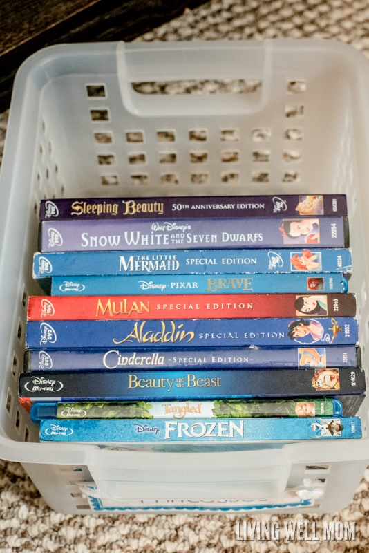 Tired of your DVDs taking up so much space on the shelf or not being able to find the movie you want? Don't miss this efficient idea for easy DVD organization; you'll be able to fit ALL your movies into a small organized space!