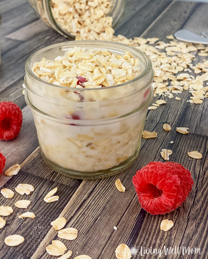 Here's an easy overnight oats recipe that will make everyone's day - Raspberry Overnight Oats take less than 5 minutes to prep and you'll be rewarded with a delicious ready-to-go breakfast the next morning! You can even take this breakfast on-the-go!