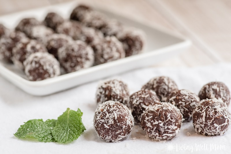 These Chocolate Mint Balls are addictively delicious and with no grains, dairy, or refined sugar, they're a snack you can enjoy guilt-free. Plus they couldn't be easier to make! They make a wonderful Christmas cookie alternative treat too!