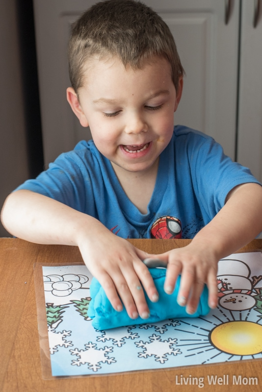 Are your kids sensitive to wheat? Or simply don't have all the ingredients for regular playdough? Check out this easy gluten-free playdough recipe! With 4 common ingredients and just 5 minutes to whip up, your kids will be enjoying homemade playdough fun in no time!