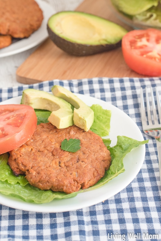 Looking for a quick, healthy dinner after a busy day? These Easy Tuna Patties have just a few simple ingredients and are so tasty, even kids love them! Plus, they're cleaning-eating (gluten-free, dairy-free, grain-free, Paleo-friendly) so you can feel good about feeding your family!