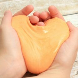 Looking for a fun activity that will keep your kids busy for hours? This DIY Silly Putty recipe takes less than 5 minutes to make and kids LOVE squeezing, pulling, stretching, and playing with their very own putty! Plus it only requires 2 common household ingredients (NO borax) and is so so EASY to make!