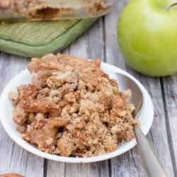 whole30 apple crisp with pecans