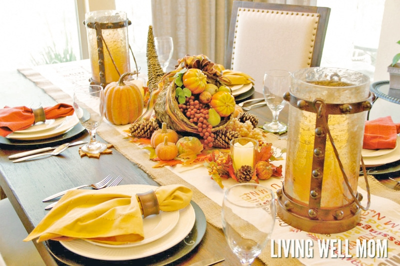 Hosting Thanksgiving dinner? Here's how to organize and plan a feast to remember without the stress and chaos. Plus free printable Thanksgiving Dinner preparation checklists to download!