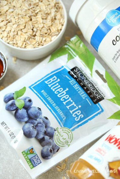 dried blueberries and oats