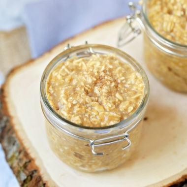 pumpkin spice overnight oats in mason jar