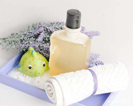 homemade all natural essential oil bubble bath for kids