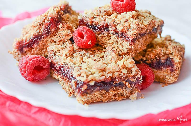 Gluten-free raspberry oatmeal bars - easy dessert recipe