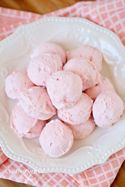 strawberry cheesecake fat bombs