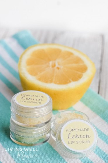 homemade lip scrub with lemon