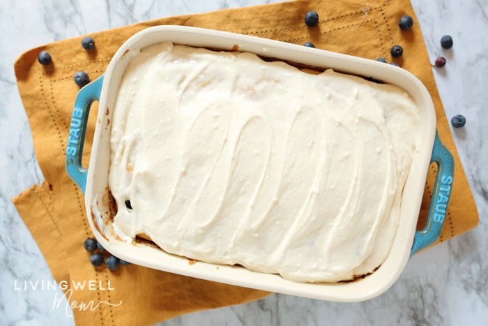 blueberry dump cake with cream cheese dessert