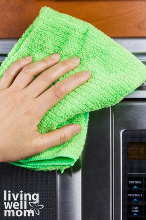 natural way to clean your microwave