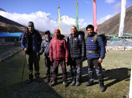 Ravi (L), Sachet, Rohit and Chetan with Dorje Sherpa (in red)