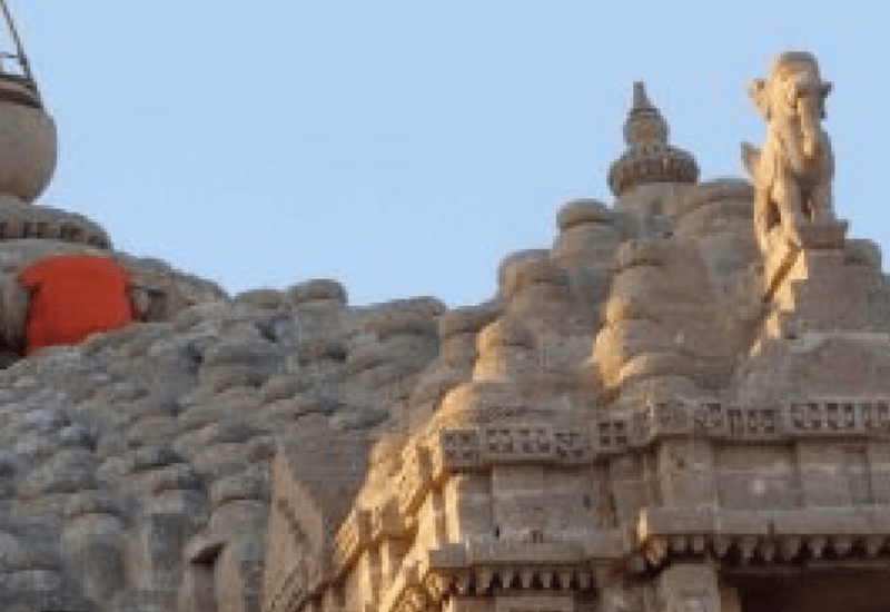 The Gateway: A Visit to the Dwarkadhish Temple