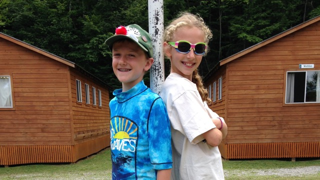 siblings-camp-bunks