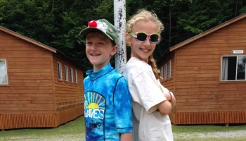 siblings-camp-bunks