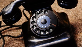 old-fashioned-rotary-phone