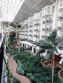 Opryland Hotel Soundwaves Adventure Livin' Sharp