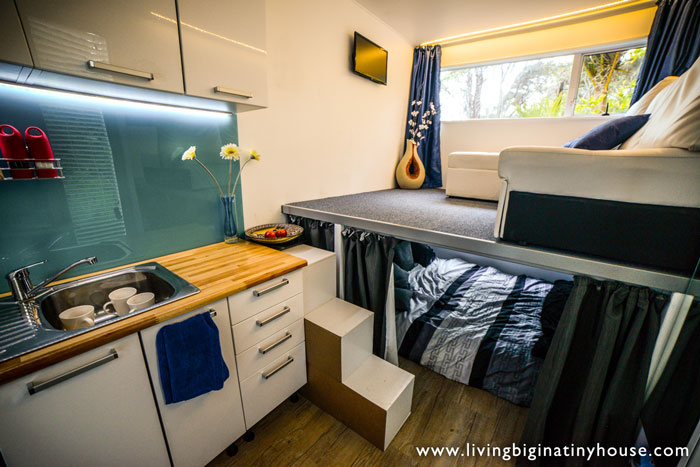container-house-living1