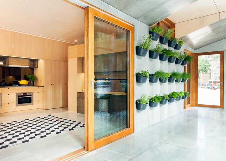 Worlds-First-Carbon-Positive-House-by-ArchiBlox_dezeen_784_2