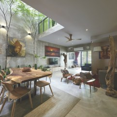 Tropical Living Room In Malaysia Modern Storage Cabinets For A Terrace House Renovation By O2 Design Atelier Sdn Bhd Couryard View From Top Portada Dining Kitchen Masterbath Open Bathroom To Bedroom