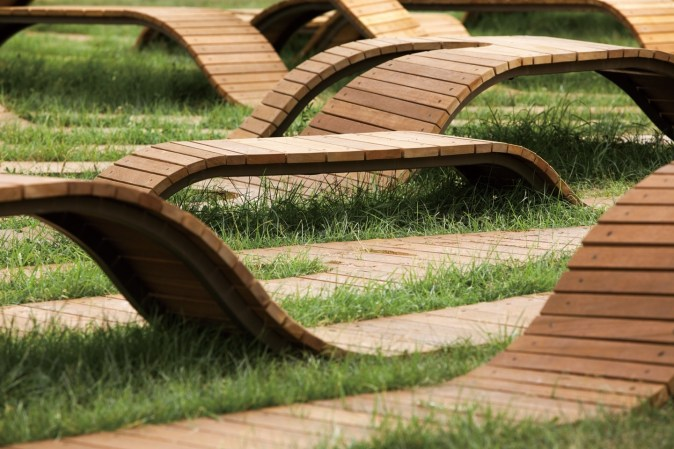 root bench_17_yong ju lee arch