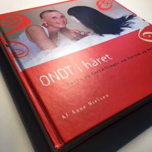 Ondt i håret er en kærlig bog om kvinder, der mister håret