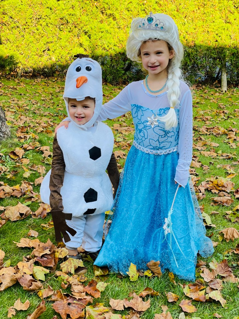Your Halloween Food Guide, Brought To You By Queen Elsa, Princess Anna, & Olaf!