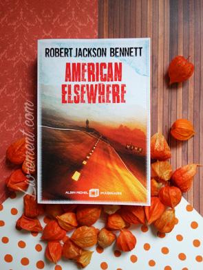 Mise en scène du livre American Elsewhere de Bennett