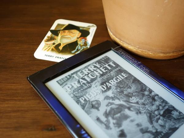 Mise en scène du roman Pieds d'argile de Terry Pratchett