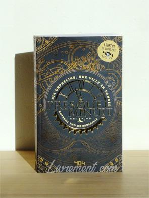 La couverture de Presque minuit, livre d'Anthony Combrexelle brille au soleil