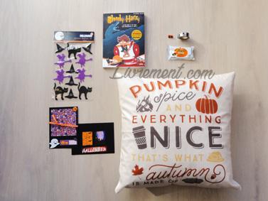 Colis sur le thème d'Halloween : stickers, carte maison et livre Bloody Harry