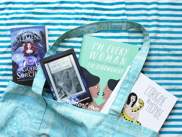 Livres lus en juillet 2018 pris en photo sortant du sac de plage