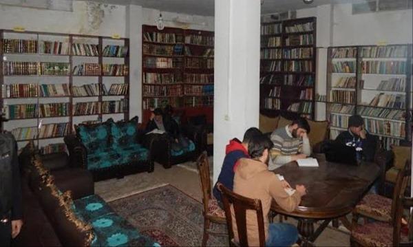 La bibliothèque cachée des résistants de Daraya