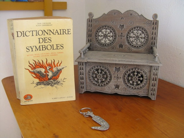 livres symboles et le sacré : la roue, les plantes, les coquillages