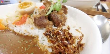【台中美食】咖哩厚、濃郁咖哩配上香噴噴的米飯,台中西區咖哩推薦。