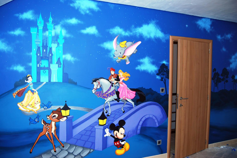 Muurschilderingen met verschillende Disney figuren Lizart