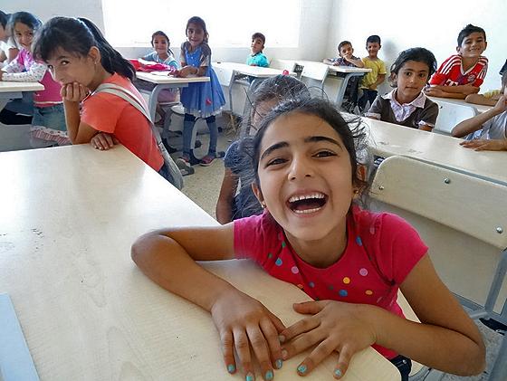 Schülerinnen und Schüler der Afrin-Schule in Bainjan, einem Vorort der Großstadt Sulaimaniyya. Diese Schule, in der Flüchtlingskinder bis zur sechsten Klassen unterrichtet werden, wird von syrischen Flüchtlingen betrieben. © Thomas von der Osten-Sacken