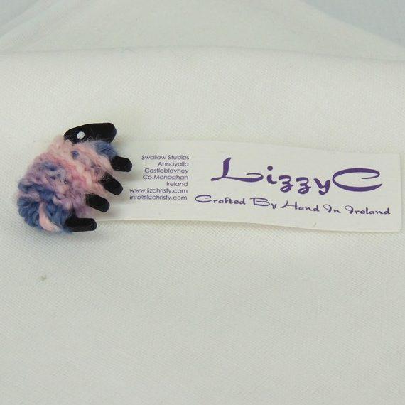 Sheep|pin|presentation_card|Misty