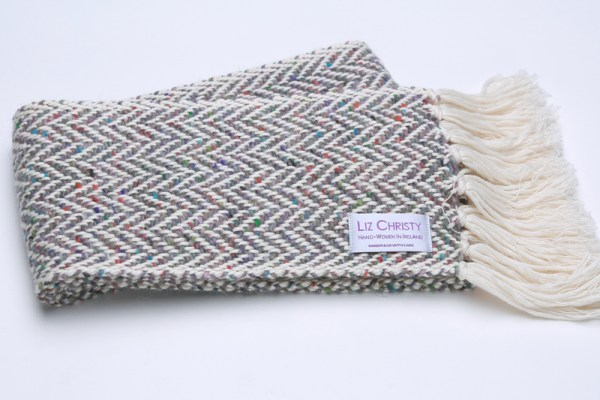 skinny-irish-scarf-herringbone-fossil-grey