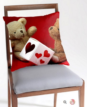 Heart Donor Pillow © Liz Collet