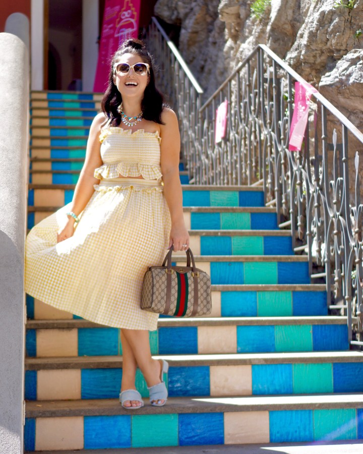 channeling jackie o in positano