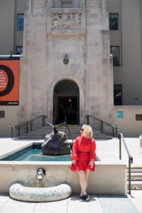 A Walkable Guide to Instaworthy Spots in DTLA y Liz in Los Angeles, a Los Angeles Lifestyle Blogger: image of a blonde woman at Los Angeles Central Library