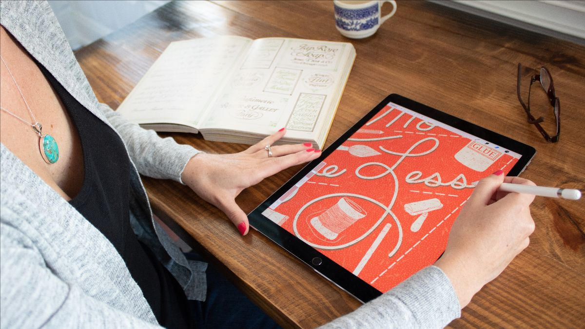 3 Ways to Improve Your iPad Lettering + A Free 70s Lettering Practice Sheet