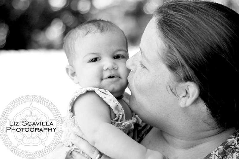 black-and-white-fathers-day-photo-liz-scavilla-photography-nantucket-daytona-port-orange