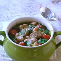 Quick Cannellini Bean Soup With Arugula
