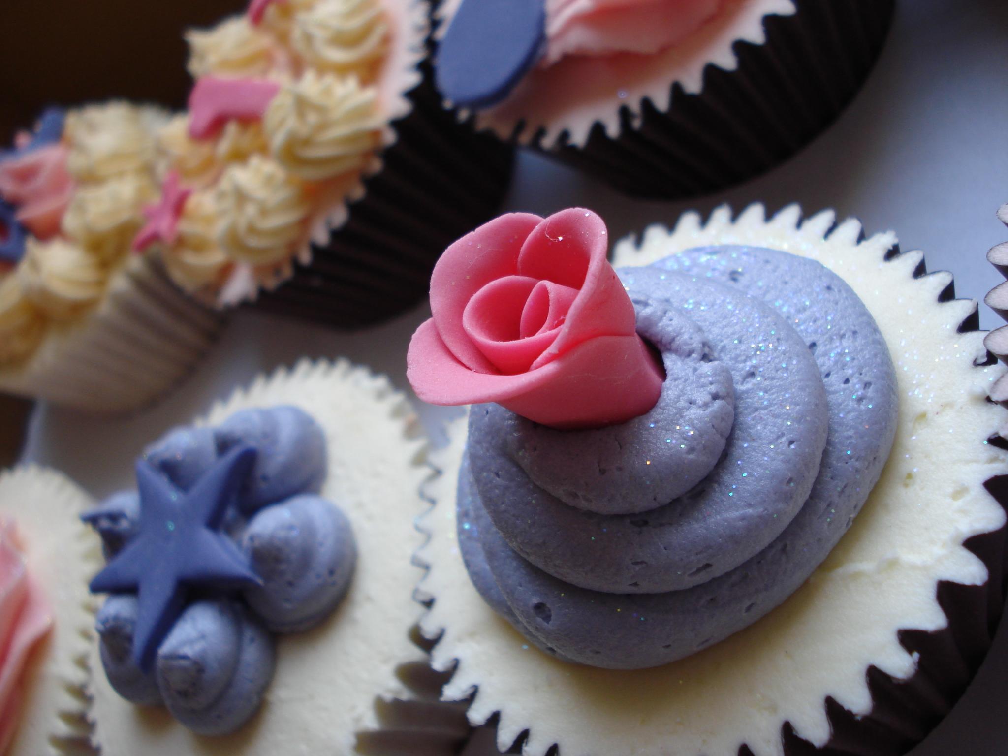 The pink rose cupcake