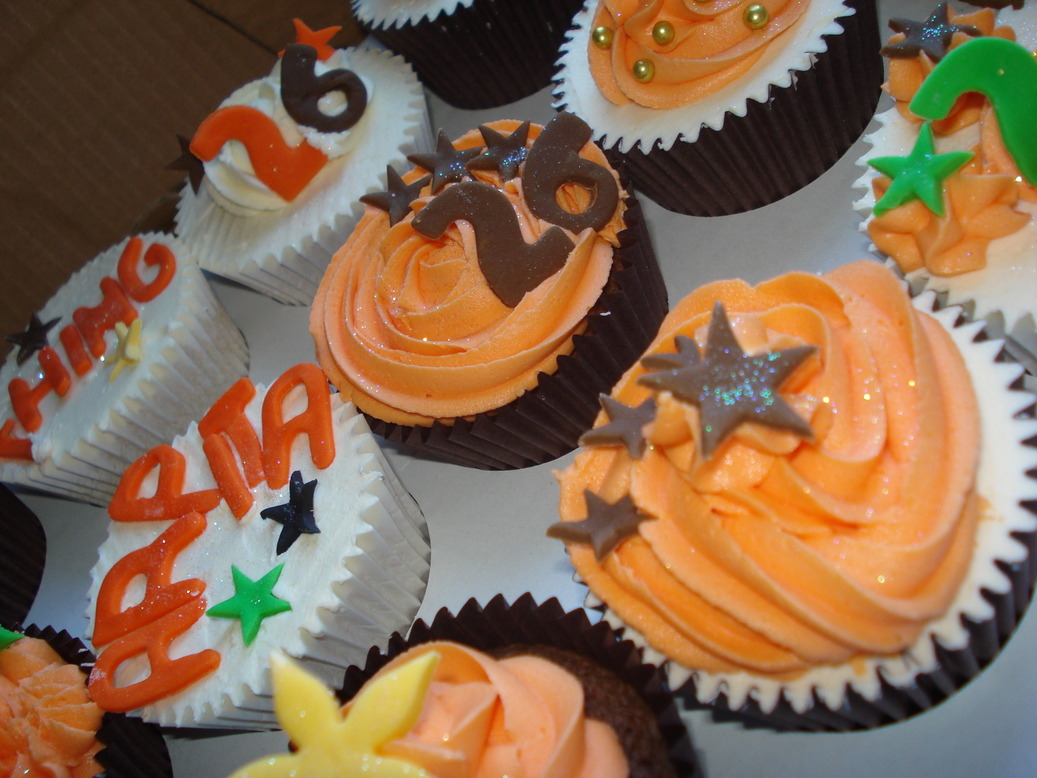 Animal colours cupcakes
