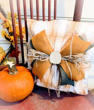 No Sew Outdoor Pillow Using a Vinyl Table Cloth